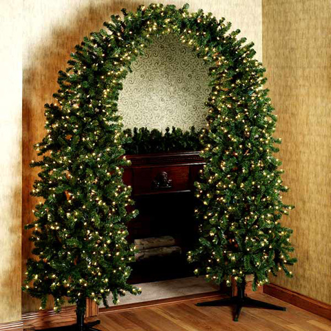 Mordern christmas tree decorating ideas for your home16 for Modern xmas tree ideas