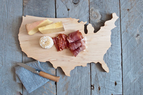 Maple-USA-Shaped-Cutting-Board-1