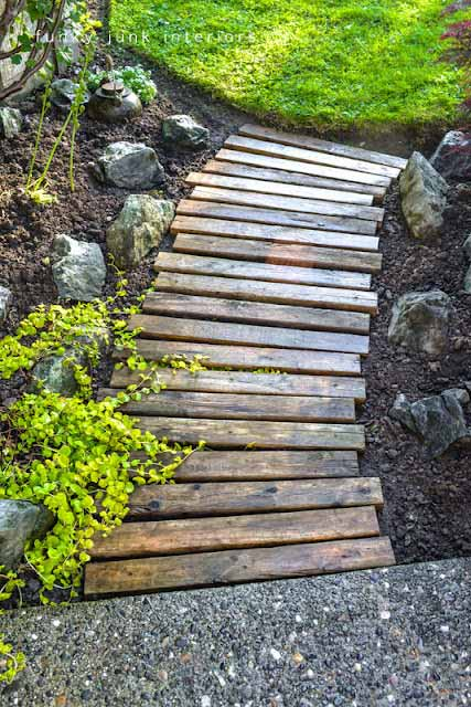 25 lovely diy garden pathway ideas 11