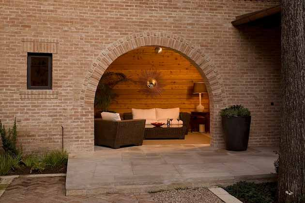 Home-Touch-With-Brick-Wall-30