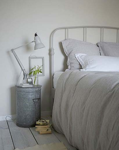 28 unusual bedside table ideas enhance the charm and decor of your Inexpensive Bedside Table Ideas