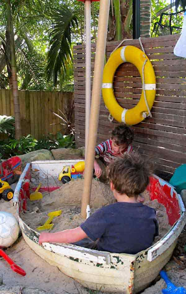 Backyard Sandpit : 15 Clever Ideas For Reuse Boats