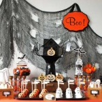 24 Visual Inspirations To Decorate Your Halloween Table