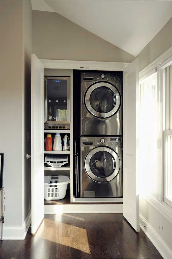 25 ideas to hide a laundry room amazing diy interior home design - Washer dryers for small spaces ideas ...