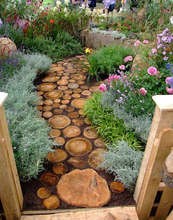 Reuse-an-old-tree-to-make-a-log-pathway.-Share-if-you-like-the-idea.