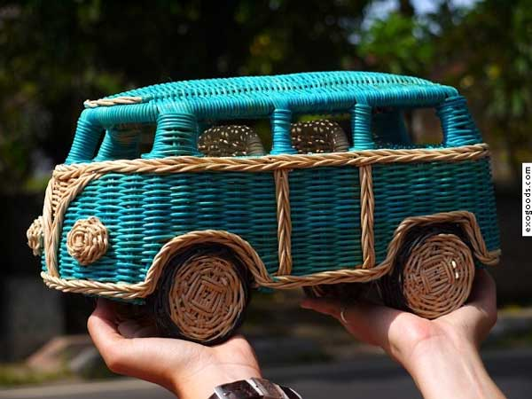 VW-bus-Ratan-Basket