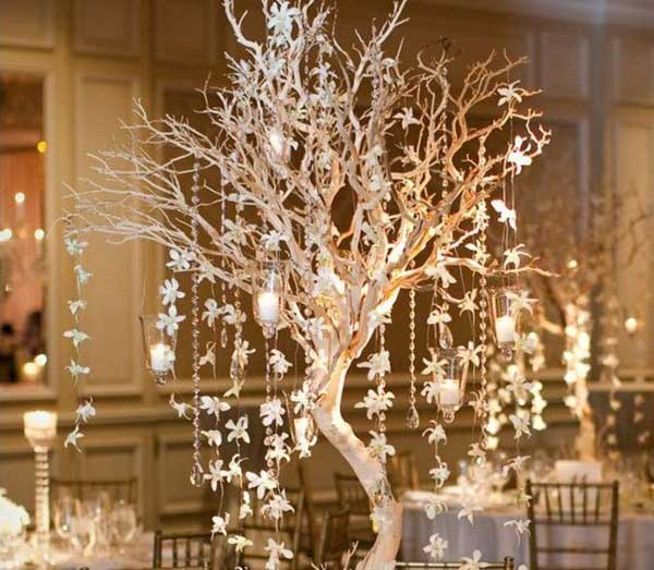 30 Creative DIY Ideas For Rustic Tree Branch Chandeliers  : Rustic Tree Branch Chandeliers 19 from www.woohome.com size 600 x 523 jpeg 50kB