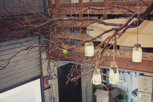Rustic-Tree-Branch-Chandeliers-5