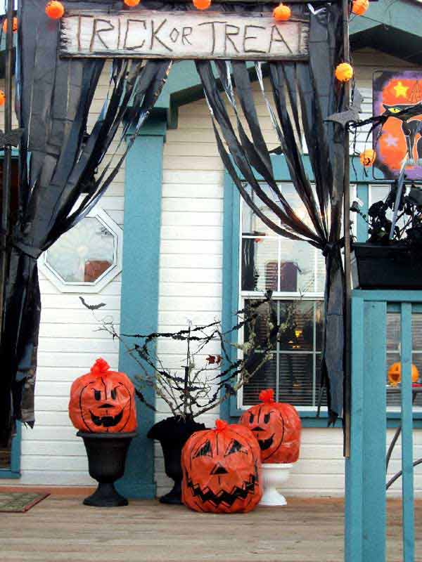 26 diy ideas how to make scary halloween decorations with Halloween decoration diy cheap