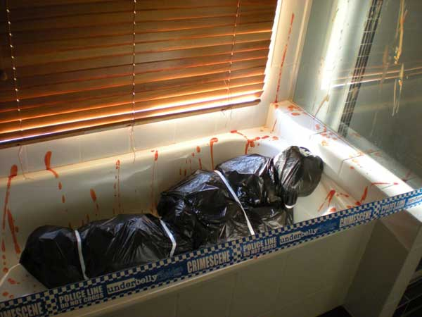 Diy-Halloween-items-With-Trash-Bags-21