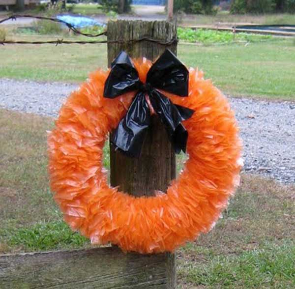 Diy-Halloween-items-With-Trash-Bags-23