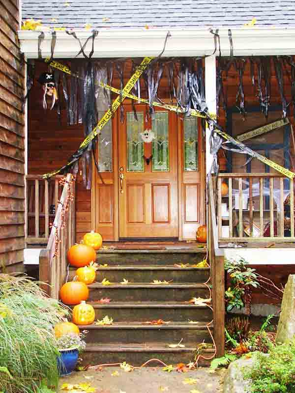 Diy-Halloween-items-With-Trash-Bags-24