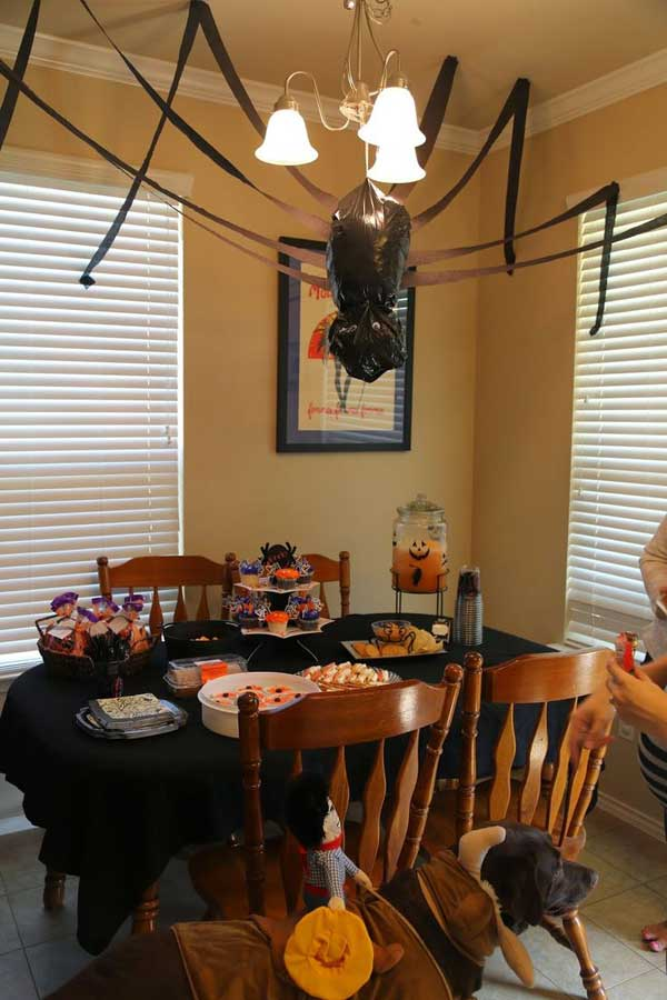 diy halloween items with trash bags 26 2