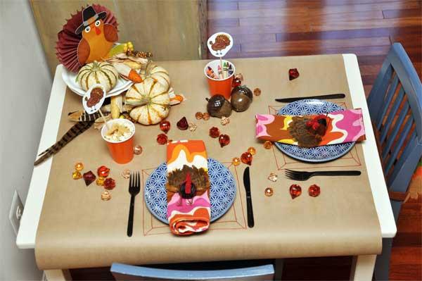 Inspiring-Thanksgiving-Kids-Tables-15