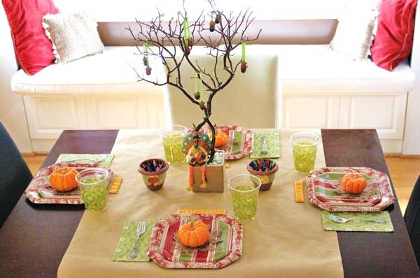Inspiring-Thanksgiving-Kids-Tables-18