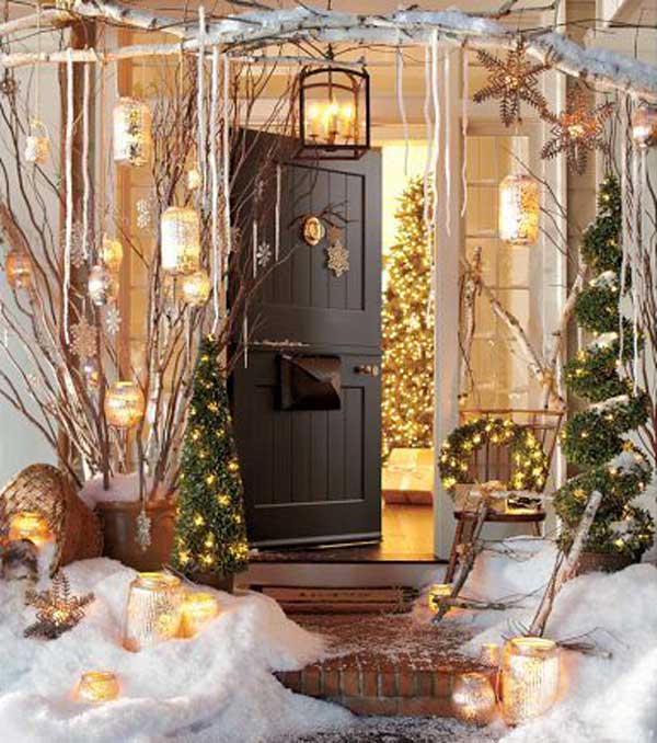 40 cool diy decorating ideas for christmas front porch for Outer decoration of house