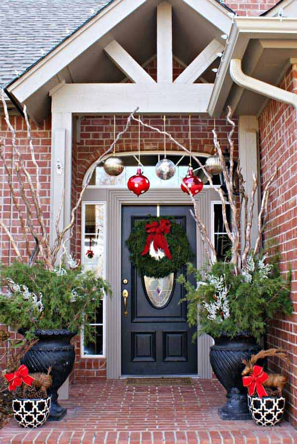 diy christmas porch ideas 23 - Front Door Entrance Christmas Decoration