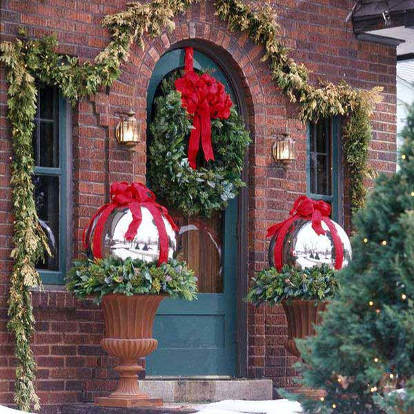 diy christmas porch ideas 33 - Decorating Front Porch Urns For Christmas
