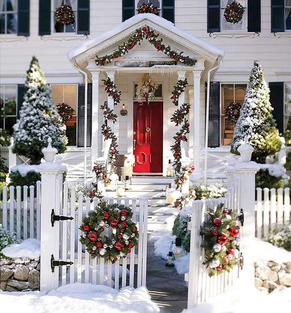 40 cool diy decorating ideas for christmas front porch - Christmas decorating exterior house ...