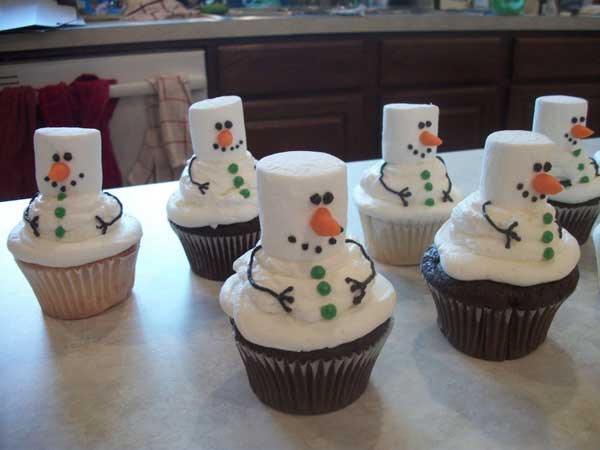 DIY-Christmas-Treats-Anyone-Can-Make-26