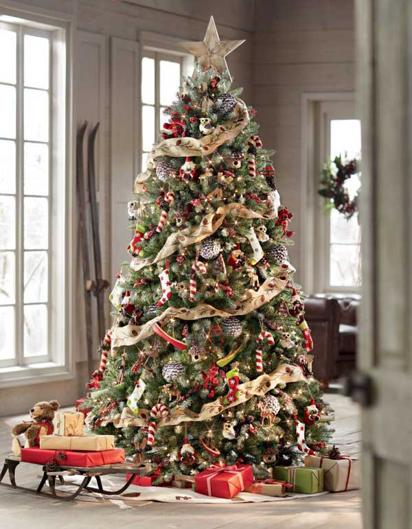 25 creative and beautiful christmas tree decorating ideas for Unique christmas tree themes