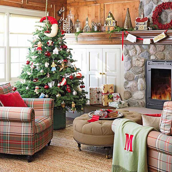 25 creative and beautiful christmas tree decorating ideas for Interior home christmas decorations
