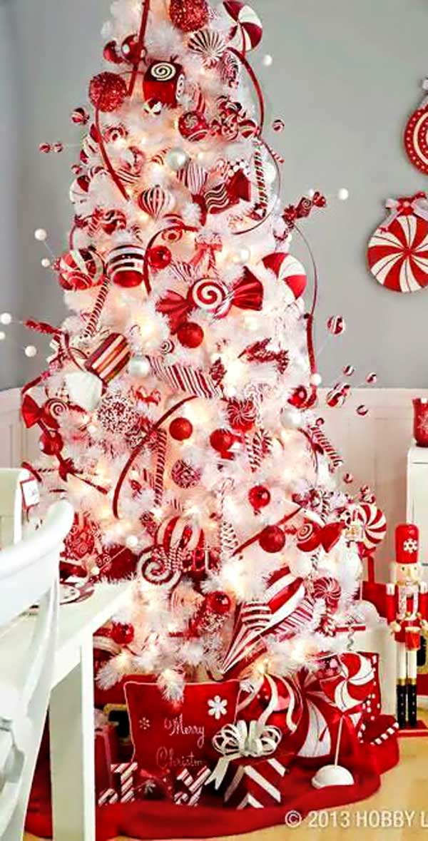 25 creative and beautiful christmas tree decorating ideas for Christmas tree lights decorating ideas