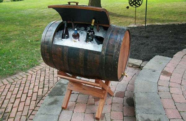 25 brilliant diy ways of reusing old wine barrels. Black Bedroom Furniture Sets. Home Design Ideas