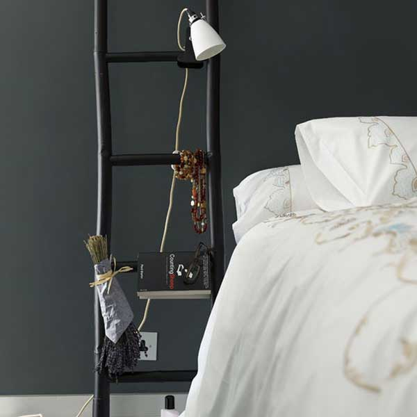 Diy-ways-to-reuse-an-old-ladder-11