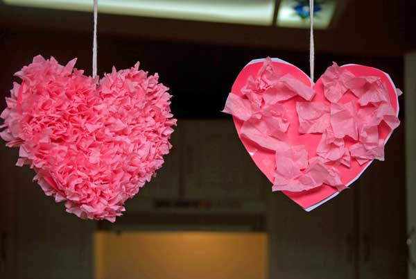 30 fun and easy diy valentines day crafts kids can make for Toddler valentine craft ideas