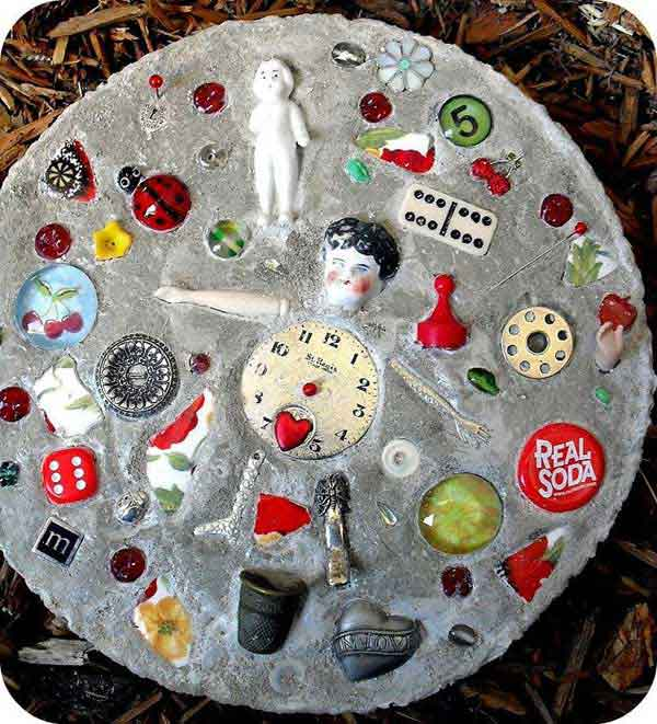 Cool-DIY-Stepping-Stone-16