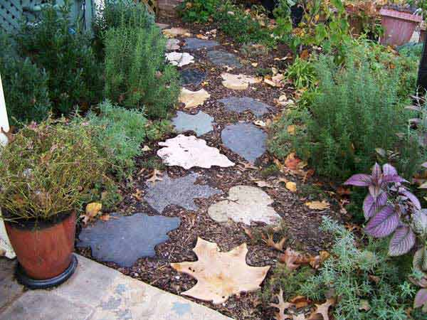 Cool-DIY-Stepping-Stone-7