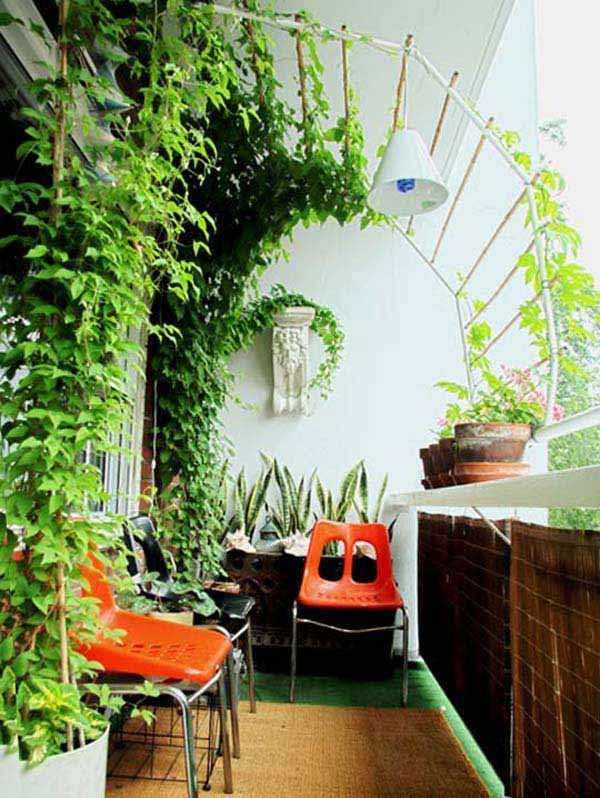 Attractive Small Balcony Garden Ideas 14