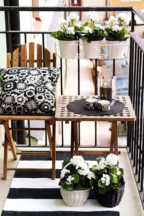 Small-Balcony-Garden-ideas-23