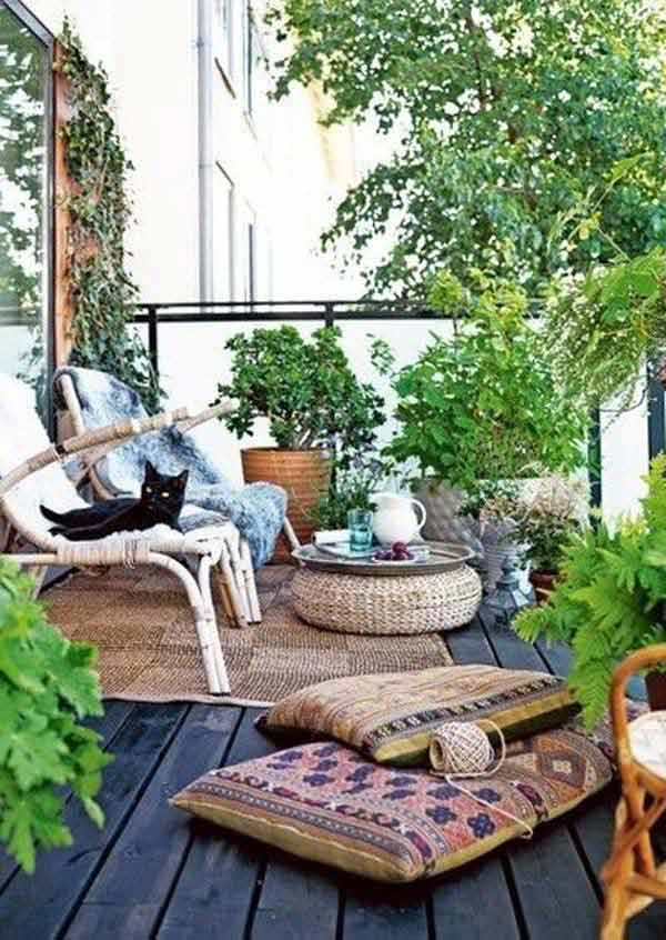 Superior Small Balcony Garden Ideas 24