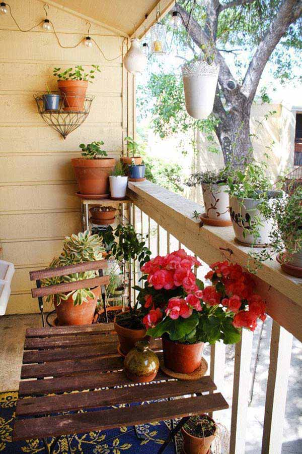 30 inspiring small balcony garden ideas amazing diy for Apartment patio garden design ideas