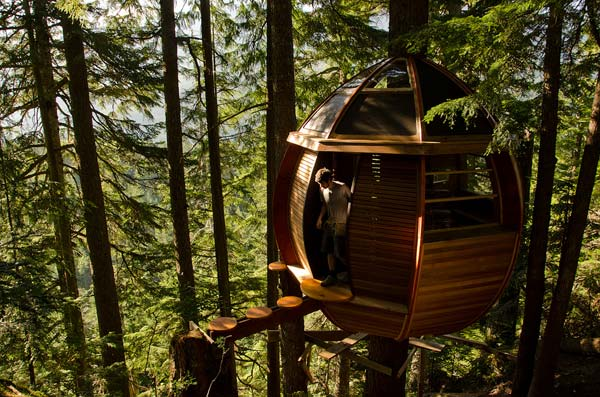 Tiny-HemLoft-Treehouse-01