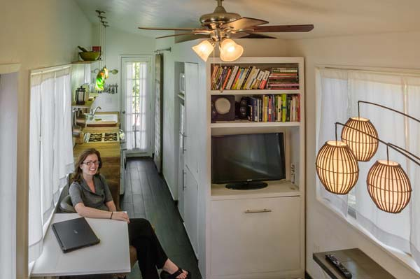 Tiny-House-On-A-Flatbed-Trailer-11