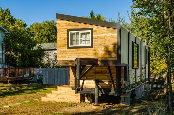 Tiny Home Designs: A Woman Bypasses Mortgage Payments Builds A Tiny House