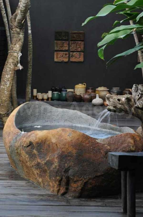 Free Hot Tub >> 22 Natural Stone Bathtub Ideas for Your Classy Bathroom