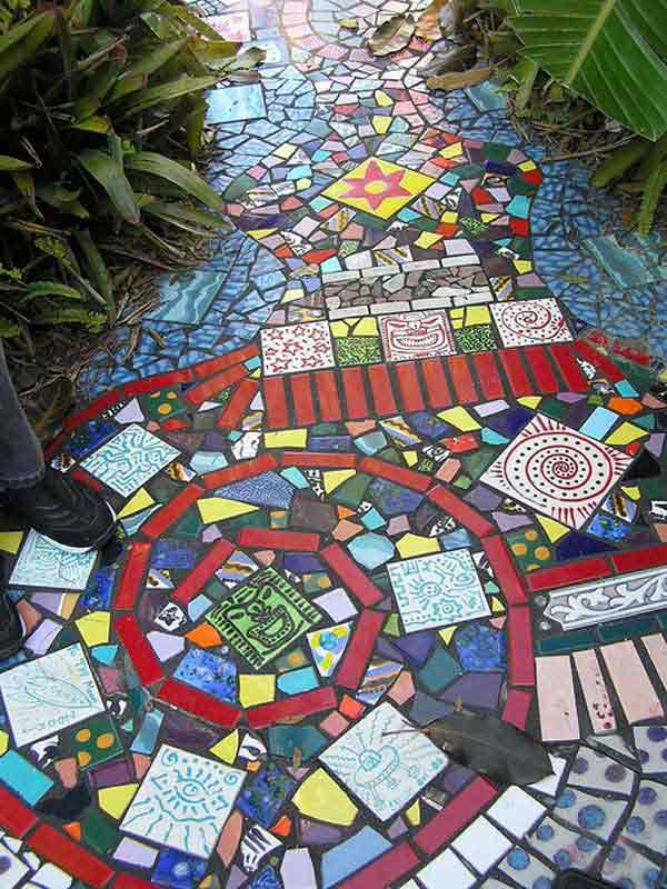 28 stunning mosaic projects for your garden amazing diy interior mosaic garden project 1 sciox Image collections