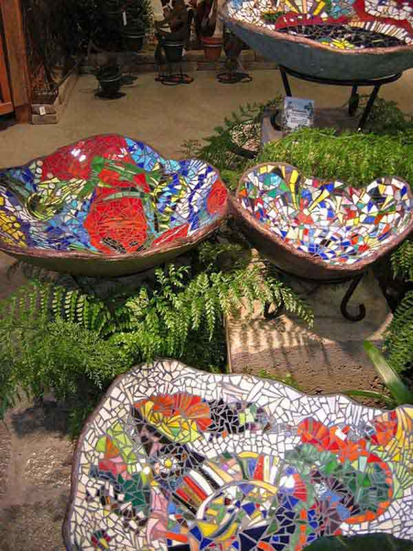 28 stunning mosaic projects for your garden amazing diy for Garden mosaic designs