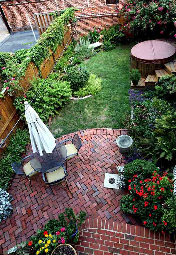 23 small backyard ideas how to make them look spacious and for Garden design ideas for small backyards