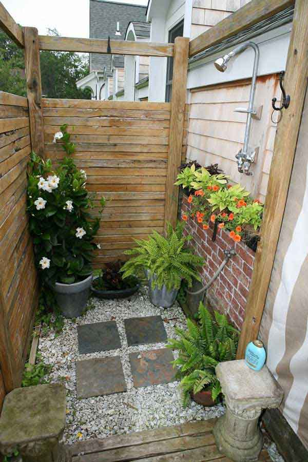 Image gallery outside shower ideas for Diy outdoor shower surfboard