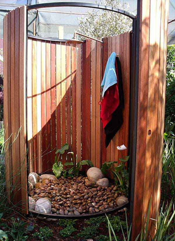Image gallery outdoor shower for Diy outdoor shower surfboard