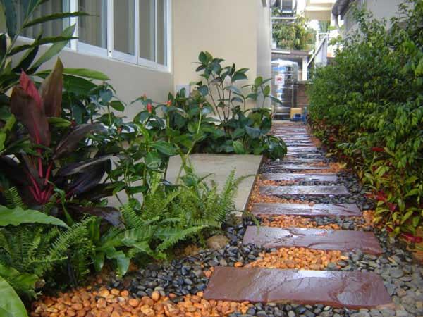 garden-walkway-ideas-12