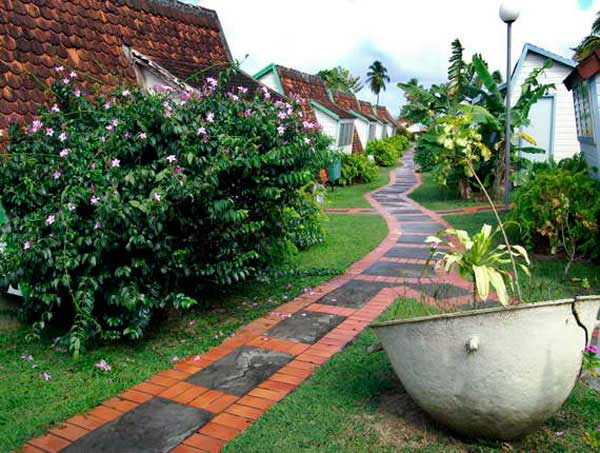 garden-walkway-ideas-20