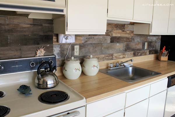 24 Low-Cost DIY Kitchen Backsplash Ideas and Tutorials