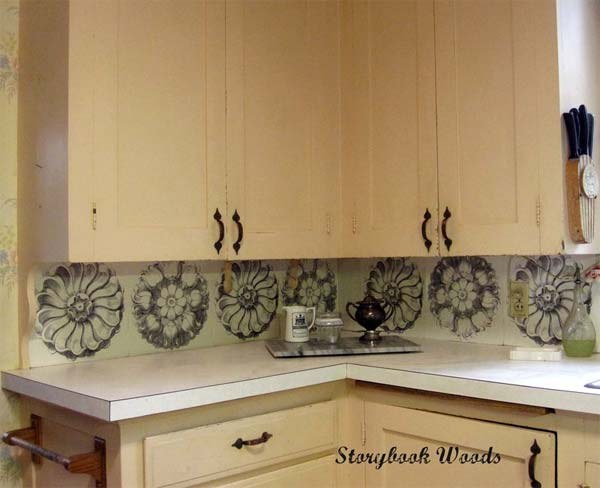 24 low cost diy kitchen backsplash ideas and tutorials Inexpensive kitchen backsplash