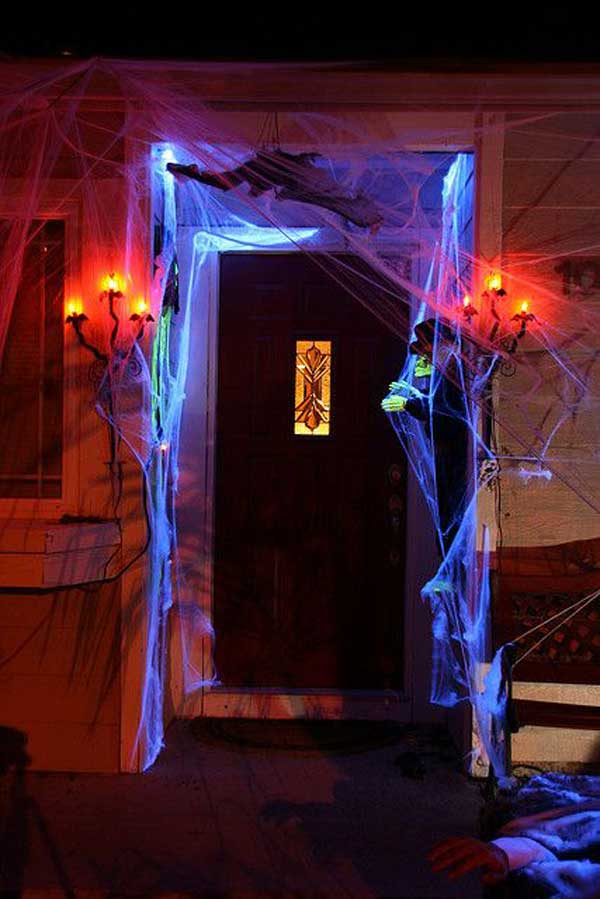 top 41 inspiring halloween porch d cor ideas. Black Bedroom Furniture Sets. Home Design Ideas